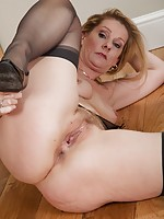 milf in black panties